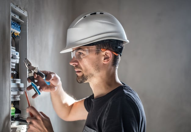 Key Points To Check Before Calling An Electrician